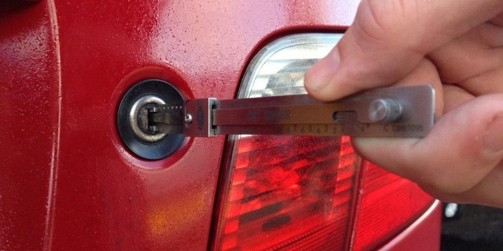 Car Key Extraction Menlo Park | Car Key Extraction